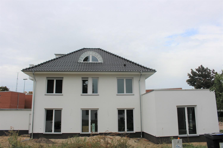 hausbesichtigung-stadtvilla-arge-haus-erkner-terrasse