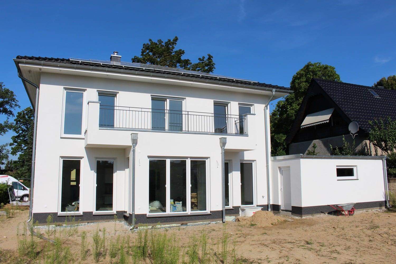 hausbesichtigung-stadtvilla-bernau-terrasse